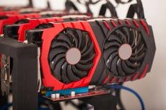 Снаряжение минирования предпосылки Cryptocurrency, конец вверх массива GPU Стоковая Фотография RF