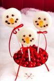 Снеговики и шипучки торта северного оленя Стоковое фото RF