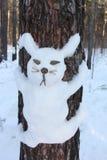 Снеговик на сосне в форме зайца Стоковое Фото