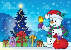 Снеговик около темы 3 рождественской елки Стоковые Фотографии RF