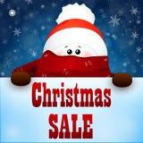 Снеговик рождества милый с шляпой шарфа и Санта Клауса красного цвета белизна покупкы сбывания девушки рождества предпосылки счас Стоковые Фотографии RF