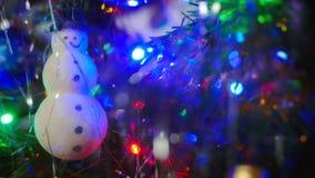 Снеговик рождества на дереве Стоковая Фотография