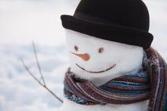 Снеговик с подающим Стоковое Изображение