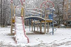 Снег и заморозок в спортивной площадке Стоковые Изображения RF