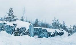 Снег и лед красивого Karelia Где-то в России стоковое изображение rf