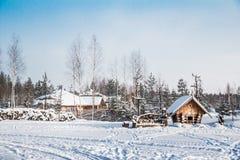 Деревня в снеге стоковые изображения