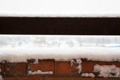 Снег на поверхности структуры металла стоковое изображение rf