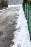 Снег на тротуаре стоковая фотография rf