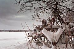 Снег покрыл оборудование сельского хозяйства Стоковое Фото