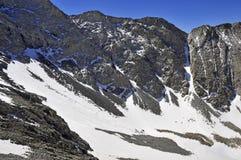 Снег покрыл высокогорный ландшафт на пике медвежонка Колорадо 14er Стоковые Изображения RF