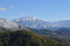 Снег покрыл гору Сан Бернардино Стоковое Фото