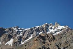 Снег покрыл горы в трассе Manali к Leh Стоковые Фотографии RF