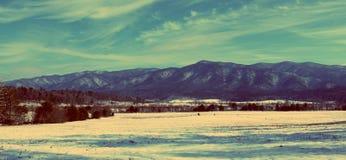 Снег покрыл горы Smokey Стоковые Фото