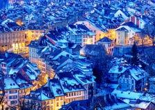 Снег предусматриванный в зиме, Швейцария городка Bern старый Стоковые Фото