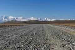 Снег степи горы гравия дороги Стоковые Фотографии RF