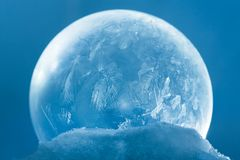 Снежинка глобуса снега рождества Стоковое Фото