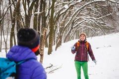 2 снежного кома игры девушек Стоковые Фото