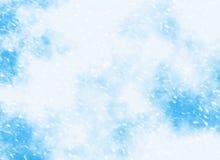 Снежности движения на предпосылках голубого неба стоковые изображения rf