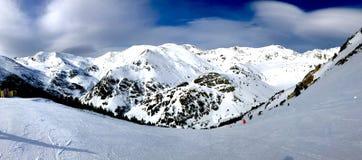 Снежности в Пиренеи стоковое фото rf