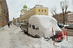 Снежности осени в городе Стоковые Фото