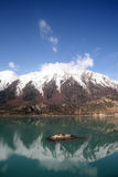 снежок горы озера Стоковые Фото
