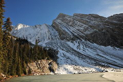 снежок горы озера Стоковое фото RF