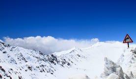 снежок дорожного знака Стоковое Фото