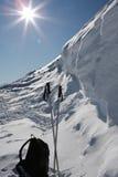 снежок лыжи рюкзака полюсов Стоковая Фотография RF