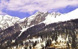 Снежок покрывает пики Стоковое Изображение RF