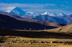 снежок Тибет горы стоковые фото