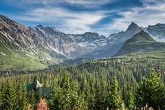 Сногсшибательный заход солнца в долине горы, Tatras в Польше Стоковые Фотографии RF