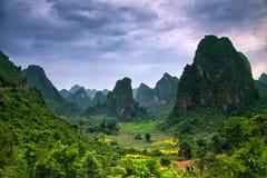 Сногсшибательный ландшафт - потерянный мир в горах Стоковое Изображение