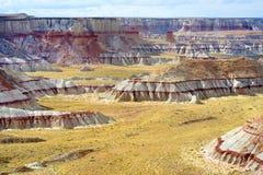 Сногсшибательный белый striped песчаник hoodoos в каньоне угольной шахты около города тубы, Аризоны стоковые фотографии rf
