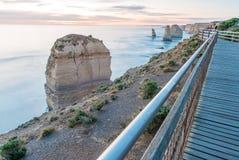 Сногсшибательный взгляд 12 апостолов, большая дорога захода солнца океана - Vict Стоковые Изображения