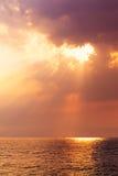 Сногсшибательный восход солнца над морем Стоковые Изображения RF