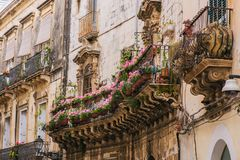 Снятая улица принятой в Сиракуз, Сицилию Стоковые Изображения