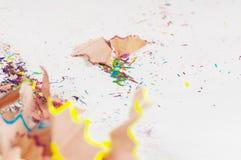 Снятый макрос: shavings покрашенных карандашей Стоковое Изображение