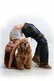 собака ребенка счастливая Стоковые Изображения