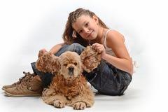 собака ребенка счастливая Стоковые Фото