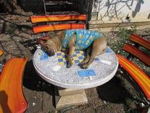 Собака Wat Chiang Mun виска спать стоковое изображение rf