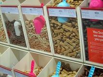 Собачья еда обрабатывает, kibbles. Стоковая Фотография RF