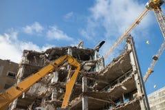 собирает место щебня землекопа подрыванием большое стоковое изображение rf