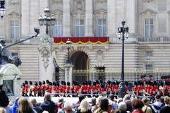 собираться толпой london 2012 цветов Стоковая Фотография RF