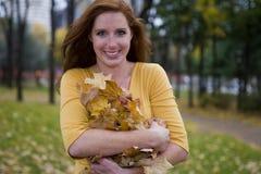 собирать листья Стоковое Изображение