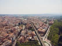 собора Каталонии моста зодчества городок Испании реки girona красивейшего цветастый среднеземноморской onyar видно Мост реки Onya стоковые фото