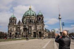 Собор Берлина и ТВ возвышаются, Dom берлинца Стоковые Фотографии RF
