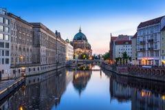 Собор Берлина на зоре, Германия Стоковое Изображение