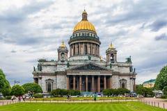 Собор в Санкт-Петербург, Россия Исаак святой Стоковая Фотография RF