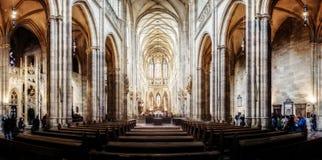 Собор в Hradcany, самая известная церковь St Vitus в Pragu стоковые изображения