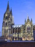 Собор Кёльна, Германии, Кёльна на ноче Стоковая Фотография